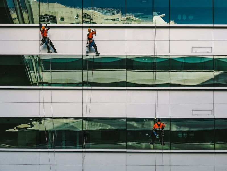 High Level Access Cleaning – The Real Reason Everyone Looks Up…